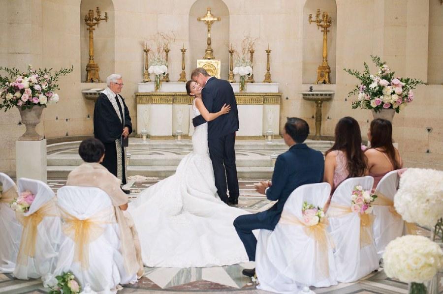 , Paris Wedding at the chapelle Expiatoire